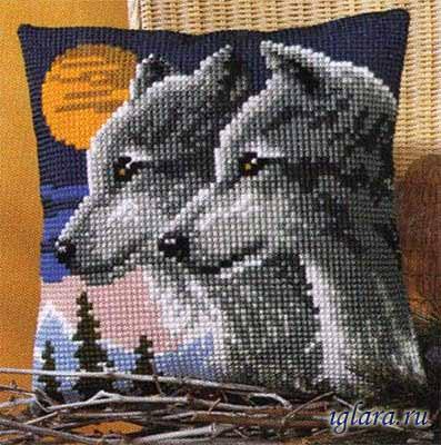 Вышивка крестом подушек волк