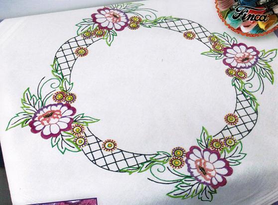 Цветочный узор (скатерть)